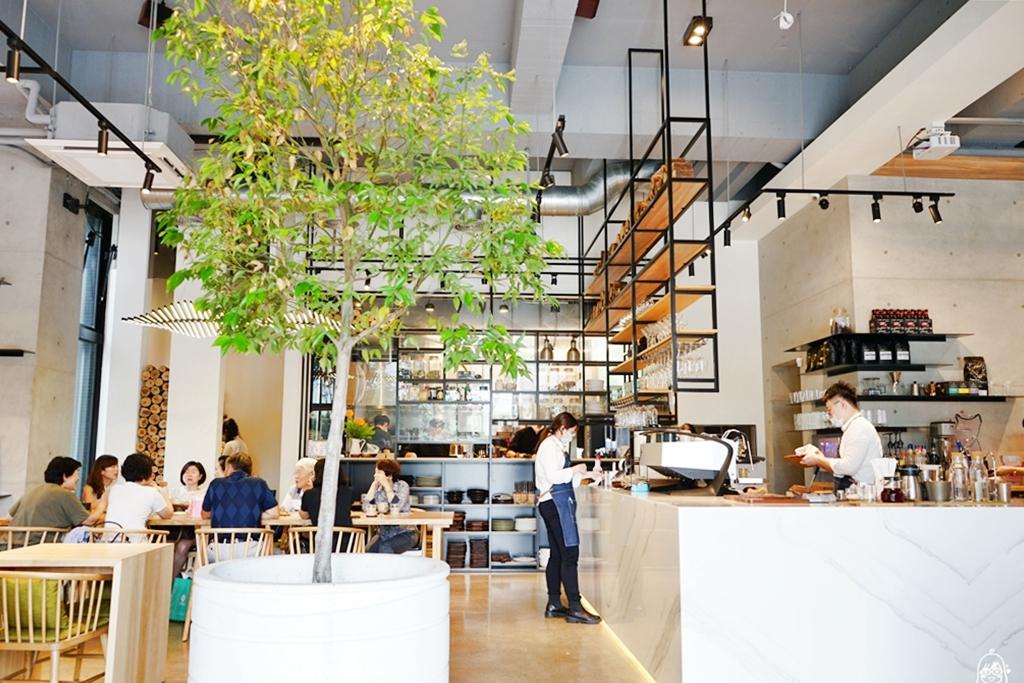 『桃園。美食』 禾林 浮島 Söt Café Bistronömy 桃園店 森奧餐飲品牌又一超美設計咖啡廳,位於虎頭山下  離塵不離城的北歐暖木綠意舒適空間 推薦早午餐、排餐。