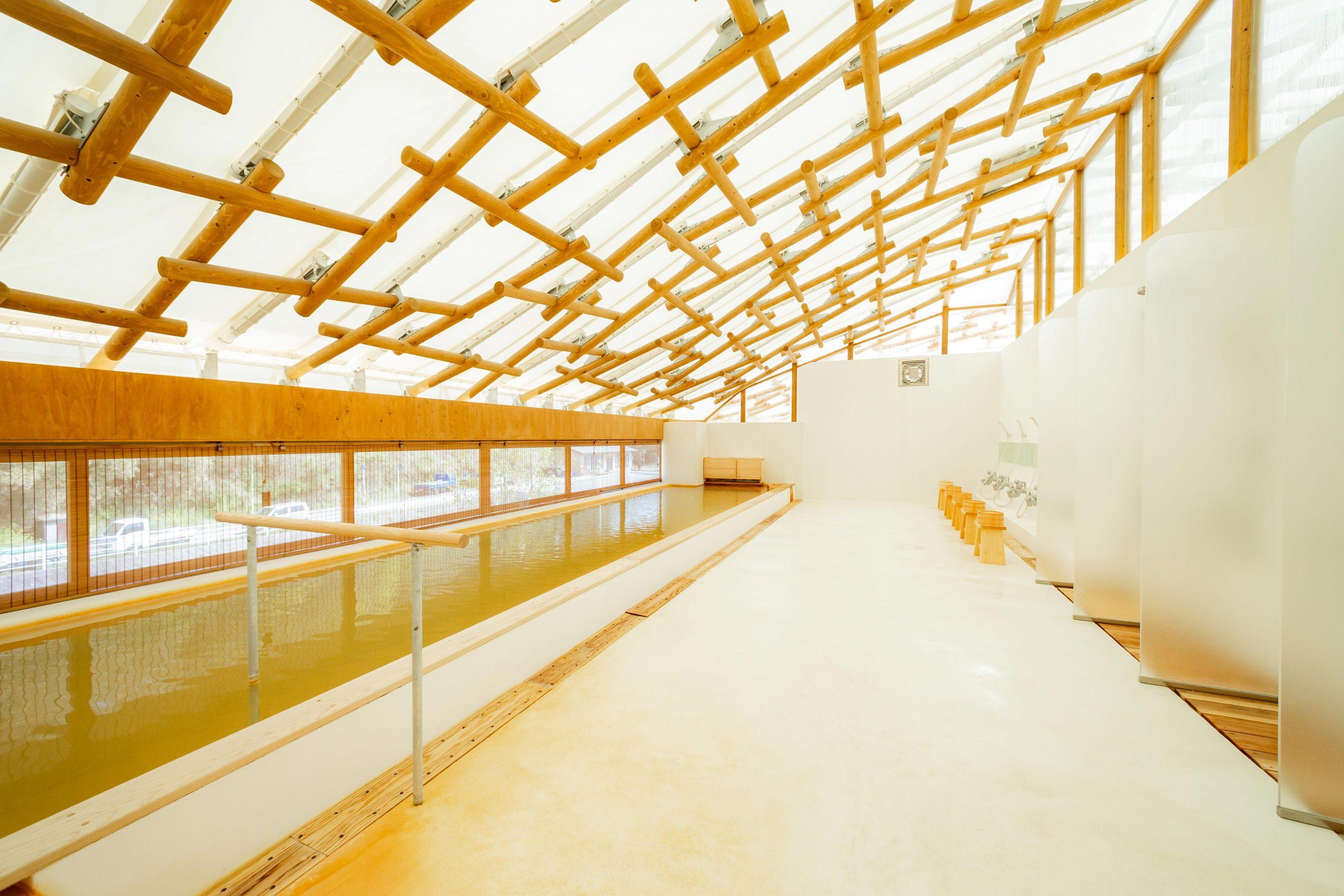 『日本。大分』 Kur Park 長湯(クアパーク長湯)|世界級建築大師坂茂設計  複合型的溫泉療養設施結合日本濃度最高的長湯溫泉碳酸泉、餐廳及住宿,是創造健康跟療癒身心的好地方。