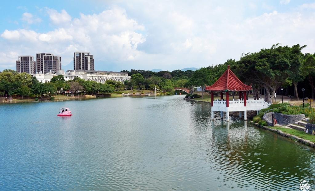 『桃園。龍潭』 龍咖啡 Long coffee|龍潭大池水岸休憩廣場   河景第一排景觀咖啡廳。