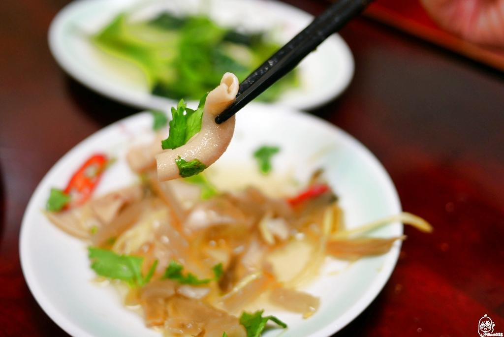 『桃園。蘆竹』 南崁 許記鵝肉|在地超人氣宵夜美食,肥美嫩口又多汁的鵝肉、涼拌鵝脆腸與鵝心肝私心激推。