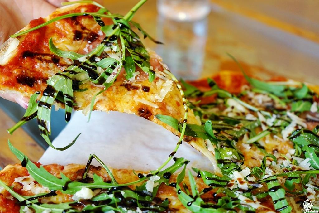 『桃園。觀音』草漯 Sicilia Pizzeria 西西里義式傳統披薩店|在地人才知道 偏僻巷弄間隱藏版的義式傳統披薩  義大利廚師現做現烤  還有這裡才吃得到的特殊口味!