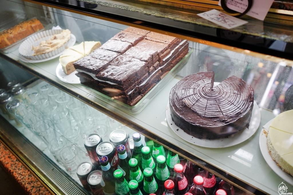 『桃園。蘆竹』 南崁路美食 Cafe' de M&L李.西餐廳|google破千評價 4.1顆星 無招牌 低調經營30年的老字號西餐廳,也是在地人口耳相傳的私房口袋名單。