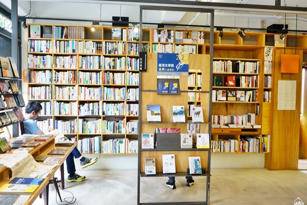 『新竹。竹北』 或者書店 & 蔬食餐桌|新瓦屋客家文化保存區內 或者書店裡的蔬食餐桌  是一座有機書森林中的健康廚房。