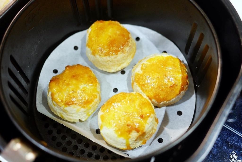 『氣炸鍋。食譜』 經典英式司康|氣炸鍋也能輕鬆做甜點  不用烤箱也能烤出超完美司康&奉上懶人最愛英式司康手繪食譜。