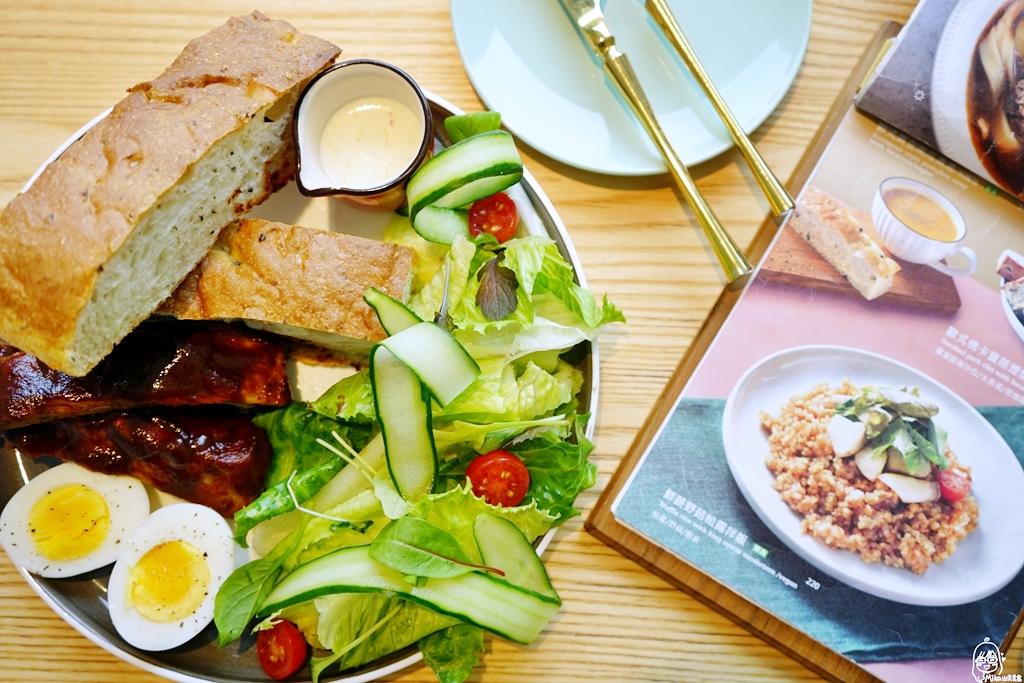 『臺中。西屯區』 堁夏咖啡 café crotchet|隱藏在歌劇院6F最美窗景的空中花園 甜點咖啡館  用流動的四分音符帶入在地元素 結合東西方餐飲與甜點下午茶。