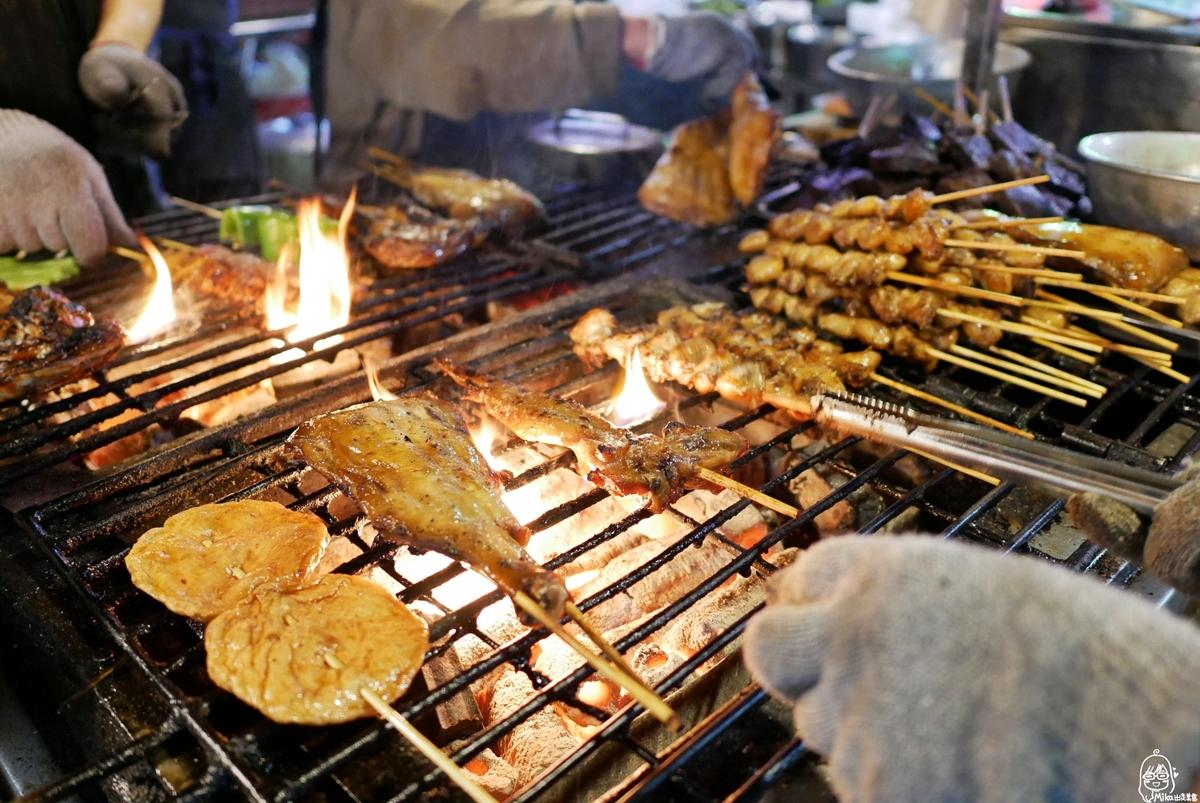 高雄 烤肉之家|六合夜市內必吃烤肉 秘方特製醬汁 鹹甜入味帶點微焦炭香 烤功了得。
