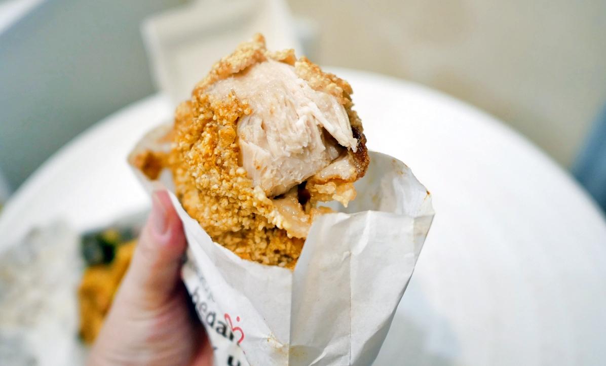男子漢雞排(桃園店) 來自金門的自創品牌  超有態度的雞排店 像個男子漢一樣夠大,夠厚,夠多汁!