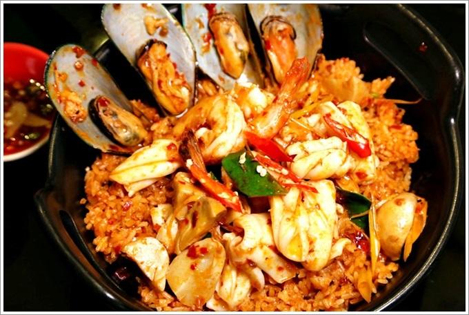 【泰國:曼谷】上味泰餐館 Savoey Seafood CO. Sukhumvit26 – 各式各樣活跳跳的海鮮真的是讓人大飽口福,每一樣都非常新鮮又好吃!