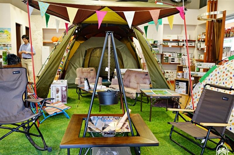 『日本。北海道』 札幌 Do Camper 北海道南千歲露營車租借自助旅行推薦|野外露營也可以很舒適,北海道處處是美景 租露營車開到哪睡到哪,隨性自在的自駕露營車體驗。