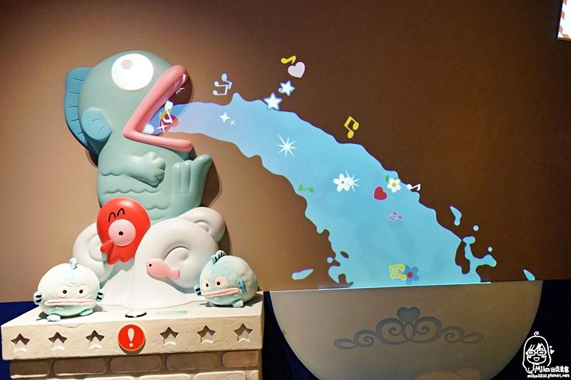 『日本。北海道』札幌新千歲機場 HELLO KITTY HAPPY FLIGHT (快樂飛行公園)|跟著Hello Kitty 空姐一起去環遊世界 互動園區好好玩/ 快樂飛行咖啡廳&快樂飛行商店很多療癒系限定商品與餐點,可愛到犯規, Kitty控不能錯過的朝聖景點。