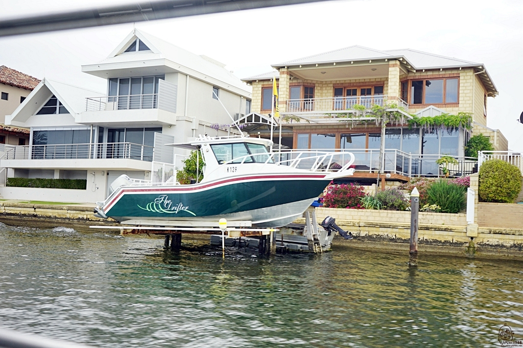 『澳洲。西澳』 Mandurah 曼德拉運河遊船 看海豚賞豪宅|雄獅 玩轉西澳 七日 粉紅湖 沙漠小探險之旅