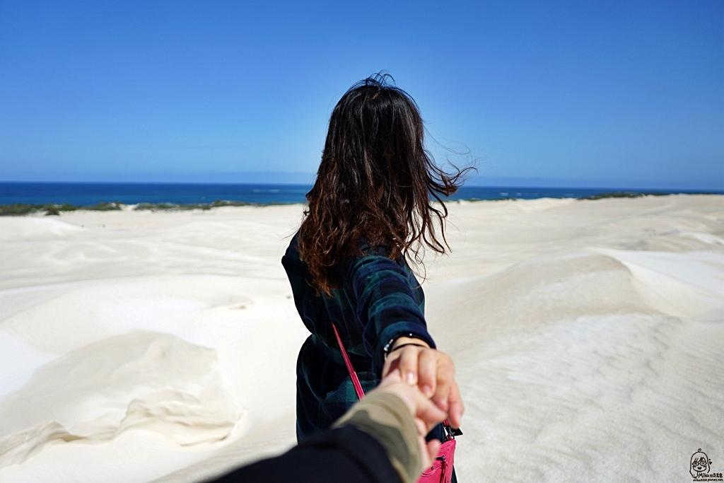 『澳洲。西澳』 Lancelin 藍斯林 西澳獨有的白色沙丘  搭乘四輪傳動大巴士飆沙好刺激 沙漠90度滑沙初體驗|雄獅 玩轉西澳 七日 粉紅湖 沙漠小探險之旅