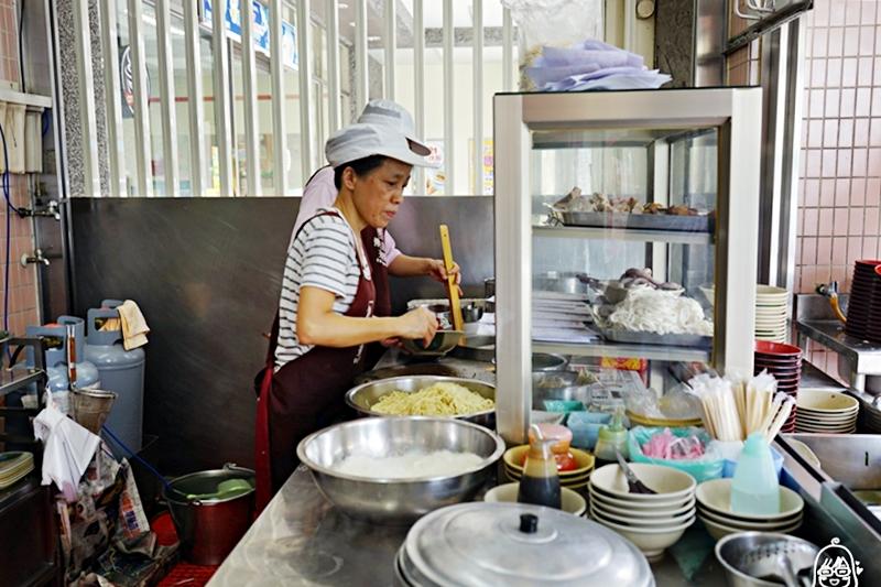 『花蓮。玉里』 傳統美食 玉里麵 阿森麵店|玉里必吃 在地人的愛店 古早味油蔥酥香氣 Q彈入味超好吃。