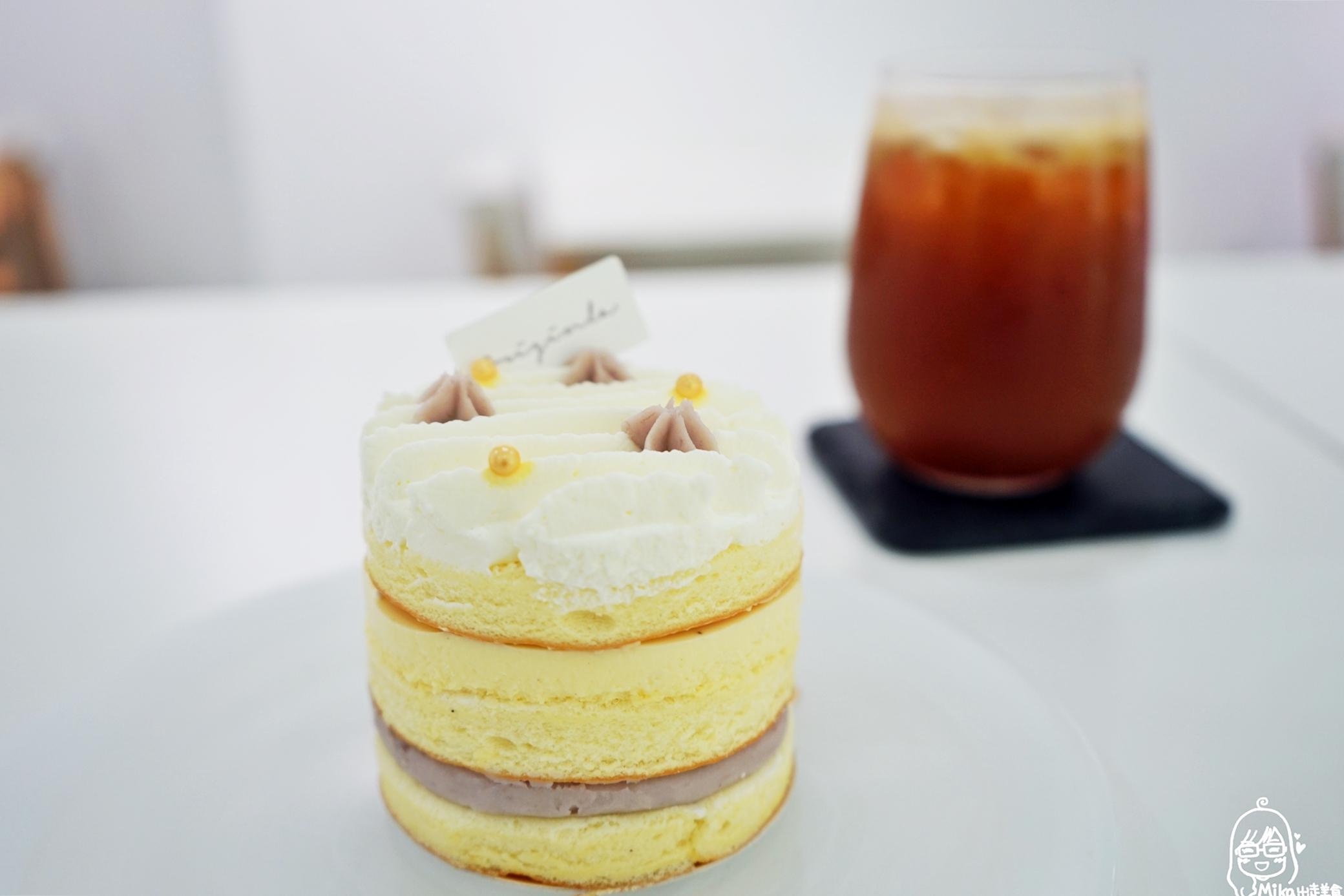 最新推播訊息:生活不難、只是需要適度的為自己加一點甜。寬敞明亮純白空間,質感推薦戚風蛋糕、慕斯、千層。