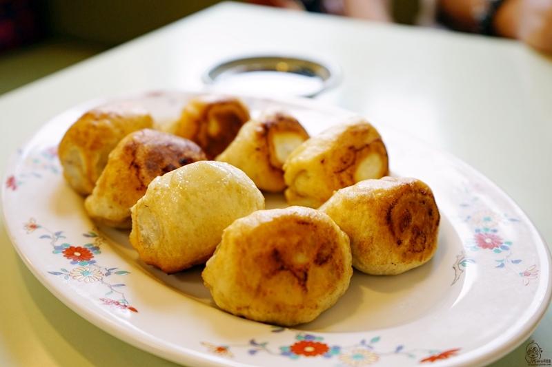 最新推播訊息:日本。北九州 佐賀武雄 餃子會館|武雄在地人推薦 使用當地食材做的在地煎餃 現點現做 用料實在還很多汁,小巧可愛大加分