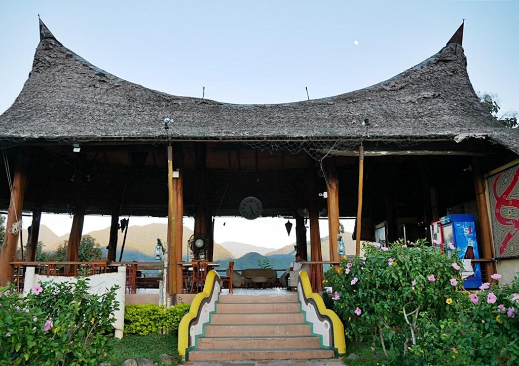『泰國。擺鎮』 Pai推薦住宿 Mari Pai Resort(大樹鞦韆)|泰國電影『愛在擺鎮 Love in Pai 』取景地/除了無敵山景露營車、特色民宿與山城美景以外,『大樹鞦韆』更是網美打卡地標。|2018/1117-1125 清邁|清萊|擺鎮 國際水燈節自駕九天八夜之旅