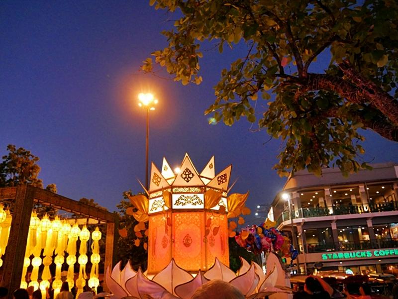 『泰國。泰北』 泰國七大奇跡之一  2018年清邁國際水燈節|泰國最浪漫的節日 清邁古城區萬人齊放天燈與水燈與遊行 壯觀震撼 無與倫比的美麗  |2018/1117-1125 泰北清邁|清萊|擺鎮 國際水燈節自駕九天八夜之旅