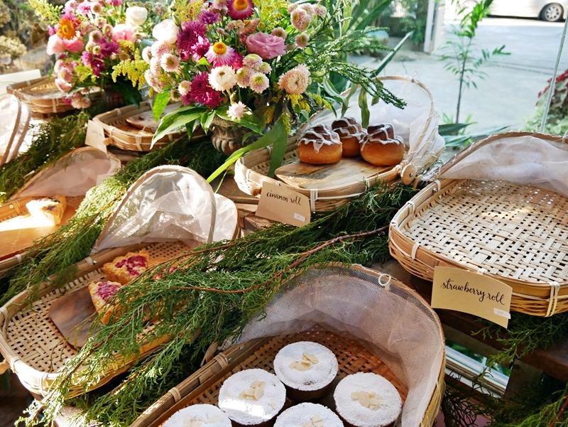 『泰國。泰北』 清邁 Forest Bake森林麵包店|清邁古城外的河濱區小巷弄內隱藏在森林裡的溫馨手工麵包甜點屋  自然系森林風  IG網美最愛打卡地標店。|2018/1117-1125 清邁|清萊|擺鎮 國際水燈節自駕八天七夜之旅