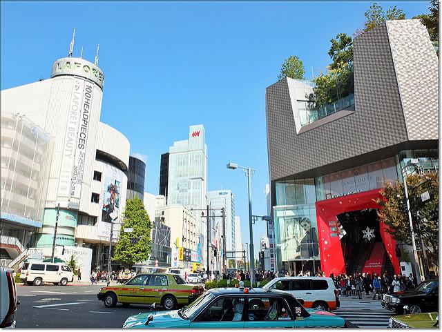 『日本東京』2013年東京賞楓DAY5-具備時尚潮流與藝術建築之美的『表參道』 @Mika出走美食日誌