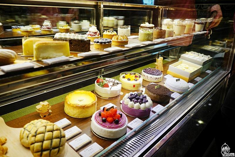 『台中。大甲區』 杏屋乳酪蛋糕|N訪推薦 日式質感精緻乳酪蛋糕、甜點、輕食下午茶/推薦新產品:老鼠談戀愛-冰淇淋菠羅系列、香草冰淇淋芒果冰。 @Mika出走美食日誌