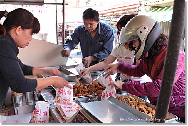 『苗栗美食』苑裡香脆多汁的菜市場炸雞 @Mika出走美食日誌