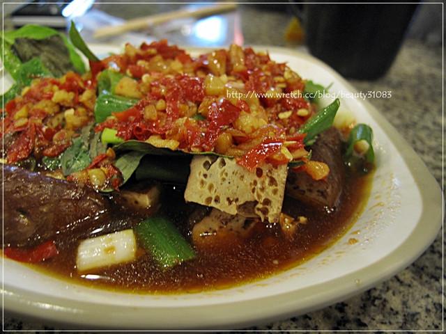 『台中美食』超美味麻辣烏龍豆干–翁記泡沫廣場 @Mika出走美食日誌