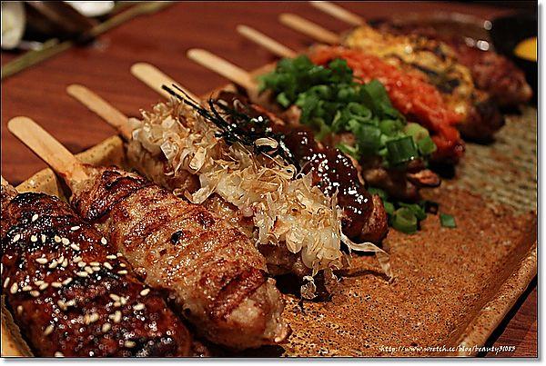 『桃園美食』平價又精緻美味的燒烤-燒鳥串道 日本串燒專門店 @Mika出走美食日誌